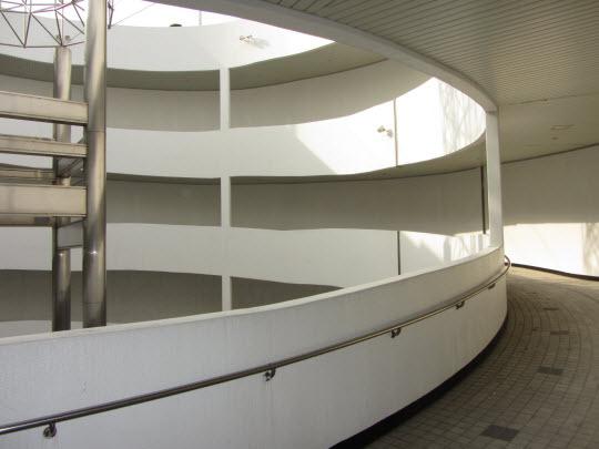 釜山民主抗爭紀念館螺旋形道路