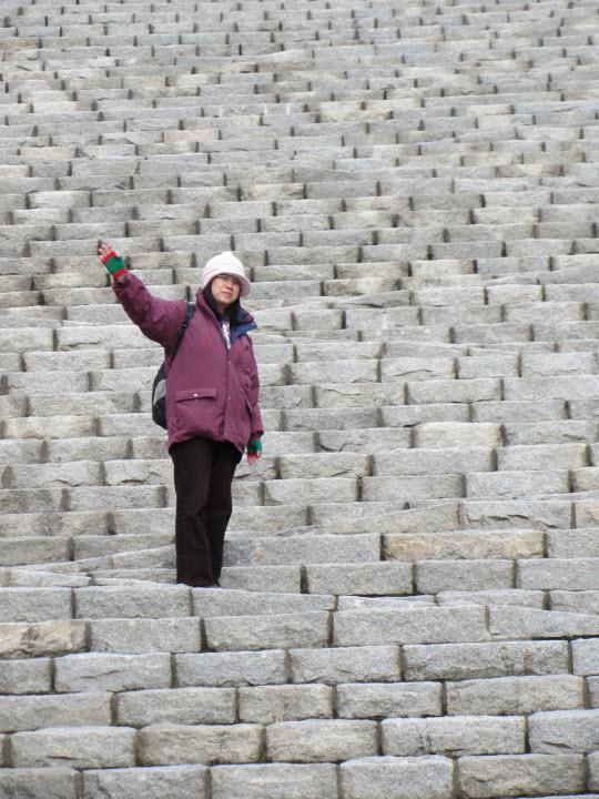 釜山中央公園忠魂塔百多級的石階