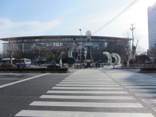 往太宗臺遊園地釜山驛廣場對面巴士站