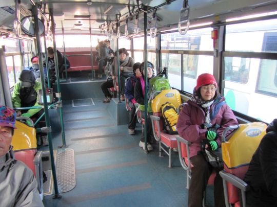 往梵魚寺巴士建議坐左邊