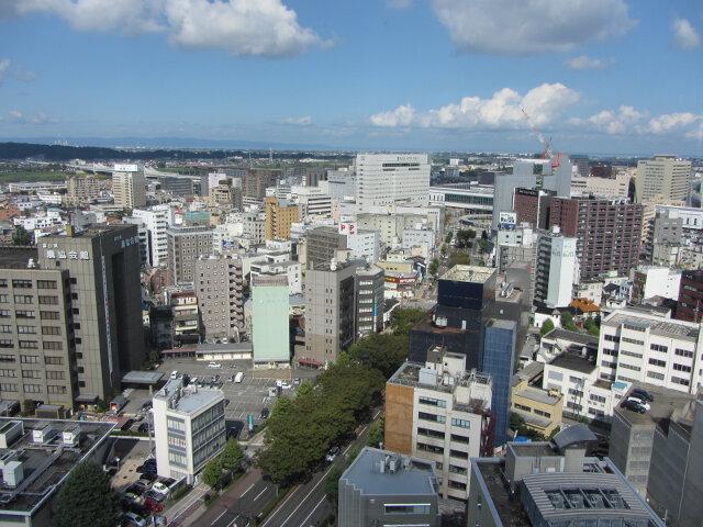 富山市役所展望塔 眺望富山市、立山連峰