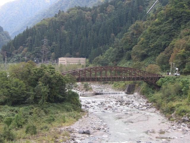 立山町.常願寺川 咖啡色鐵橋