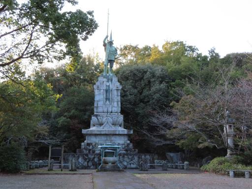 熊本市‧本妙寺‧加藤清正銅像