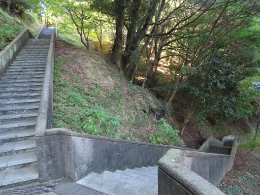 天草﨑津集落‧登上教会の見えるチャペルの鐘展望公園