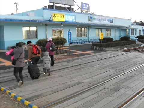 gangneung-rail-station-2