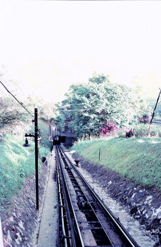 馬來西亞檳城島升旗山 (檳城山) 乘纜車下山