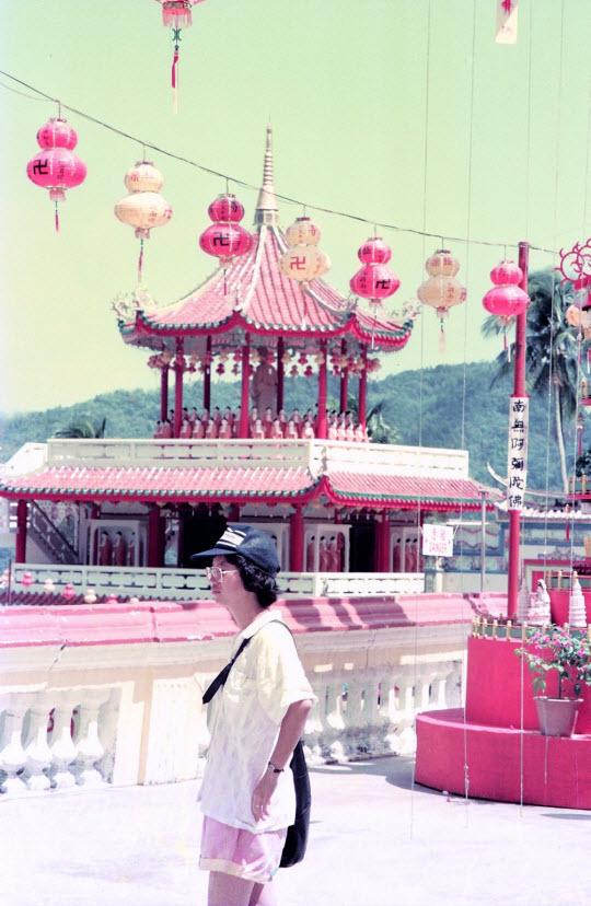 馬來西亞檳城島 極樂寺佛堂
