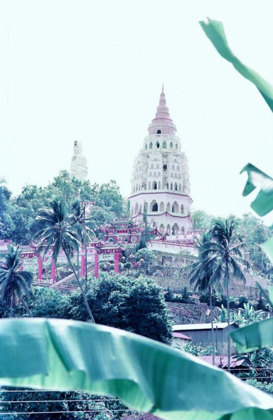 馬來西亞檳城島 極樂寺 萬佛塔及觀音像