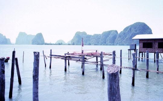 泰國布吉島攀牙灣海中棚屋餐廳