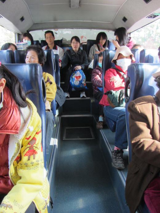 乘台灣好行巴士往安平古堡站