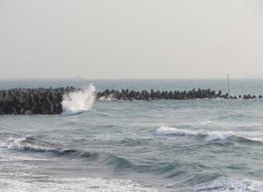 高雄旗津風車公園 波濤海岸