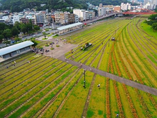 kaohsiung-hamasen-railway-cultural-park-02