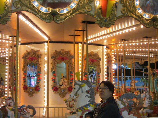 高雄統一夢時代購物中心頂樓遊樂園 旋轉木馬
