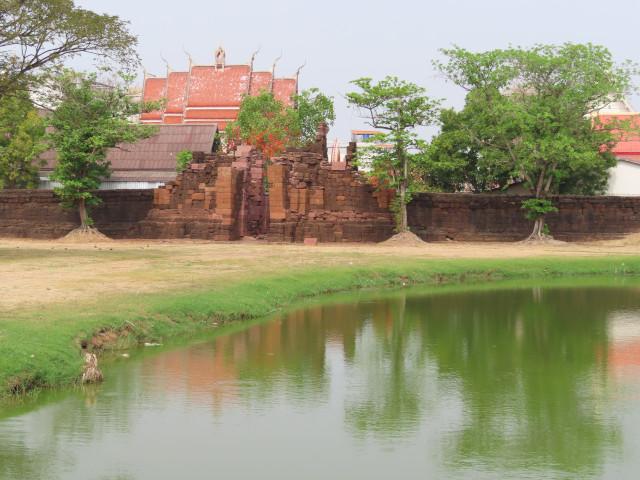 碧邁南門 Pratu Chai Ancient Gate