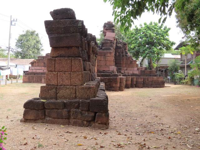 碧邁古城西門 (Pratu Hin Ancient Gate)