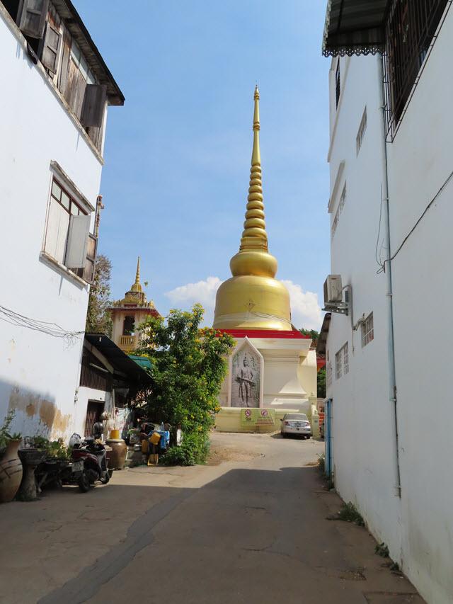 呵叻古城 Wat Phra Narai Maharat