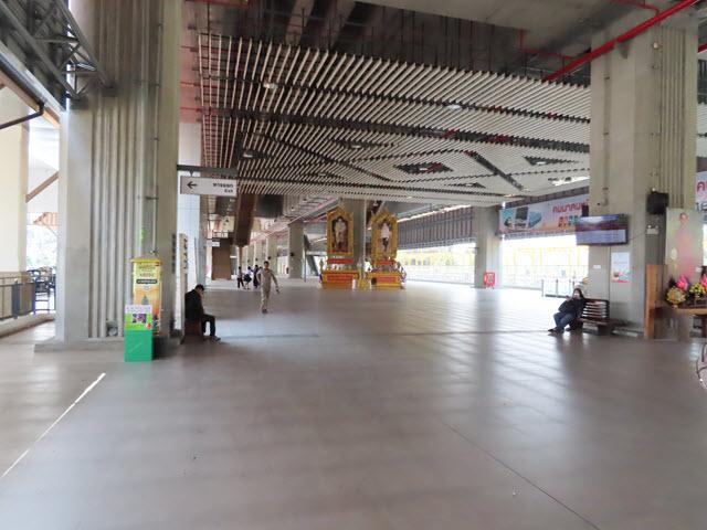 孔敬火車站大堂