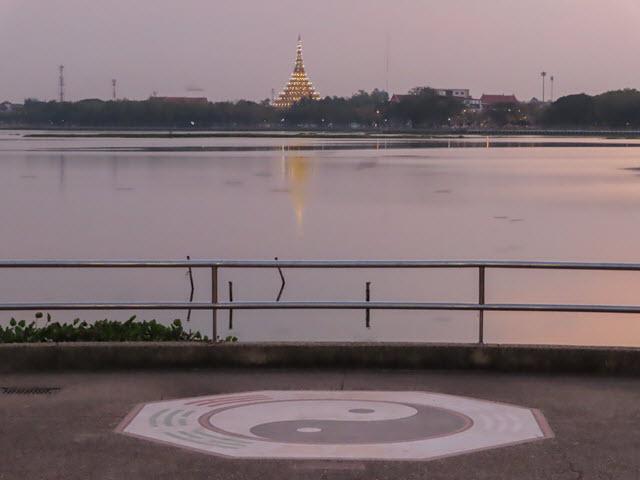 孔敬大湖公園 農威寺(Wat Nong Wang)