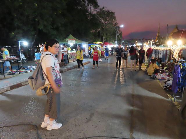 孔敬大湖公園夜市