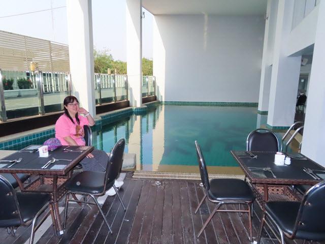 孔敬 Glacier Hotel (孔敬冰川飯店) 餐廳 泳池