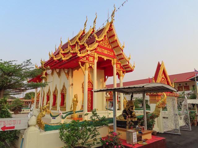 沙功那空 Sakon Nakhon WAT Pho Chai
