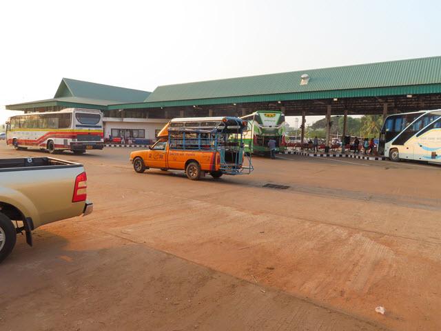 沙功那空第2巴士站 (Sakon Nakhon Bus Terminal 2 / Sakon Nakhon New Bus Terminal)