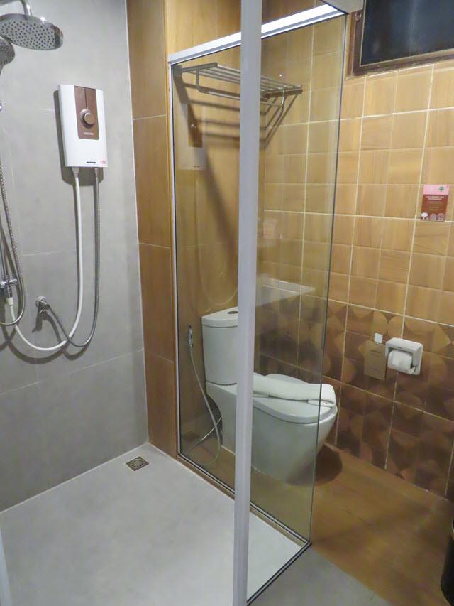 那空拍儂 (Nakhon Phanom) U- Home Hotel 房間浴室