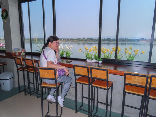 那空拍儂 Nakhon Phanom 湄公河畔 Two Twelve Kafa & Cha 咖啡廳