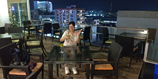 烏隆市 卡文武里綠色飯店 頂樓露天酒吧