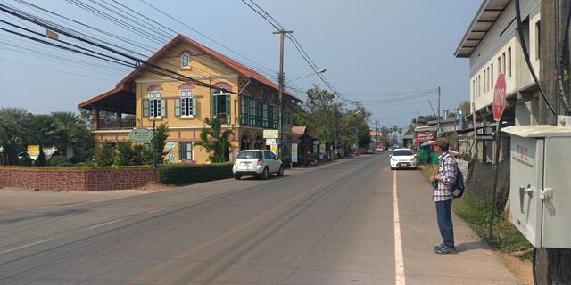 那空拍儂 Nakhon Phanom 湄公河畔餐廳區