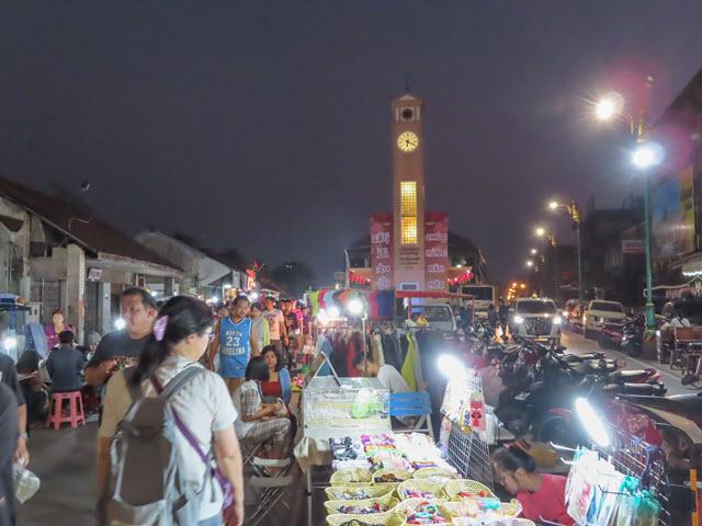 Nakhon Phanom Clock Tower Mekong Walking Street 夜市
