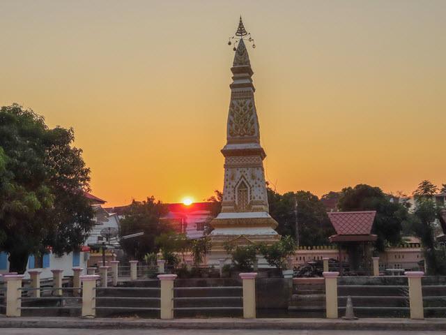 穆達漢 (Mukdahan) Wat Yot Kaeo Siwichai