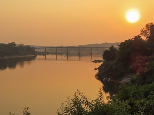 Kong Chiam 黃昏日落景色