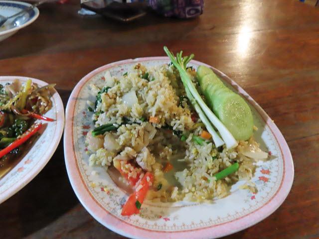 Khong Chiam 湄公河上 แพอาหารอารยา 船屋餐廳 海鮮炒飯