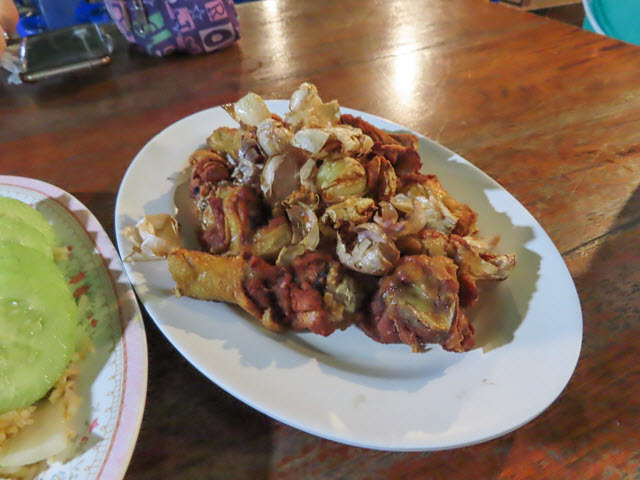 Khong Chiam 湄公河上 แพอาหารอารยา 船屋餐廳 烤雞槌