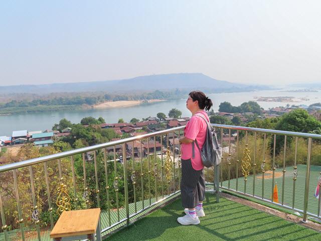 Khong Chiam Wat Tham Khuha Sawan 觀景台