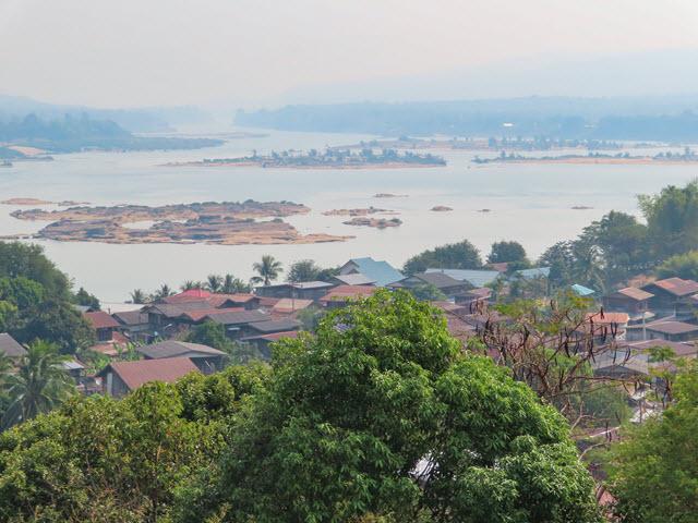 Khong Chiam 湄公河 河床四處外露