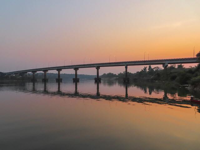 Khong Chiam 月河黃昏日落