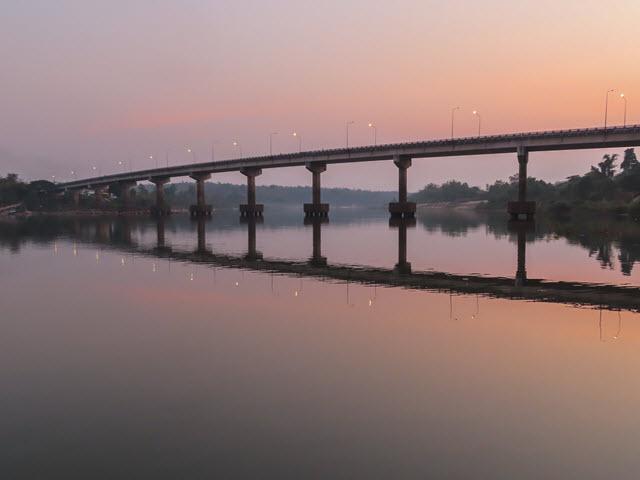 Khong Chiam 月河黃昏景色