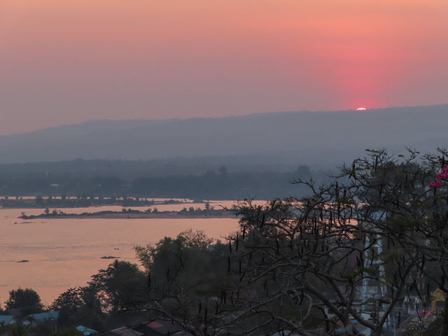 Khong Chiam 湄公河日出