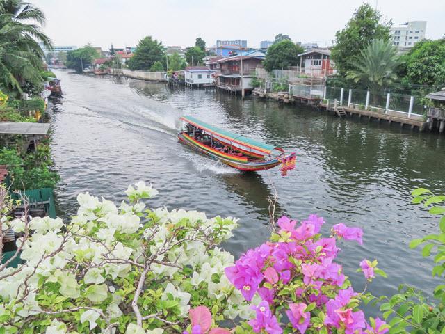 曼谷 Charoenpat Bridge 遙運河風光