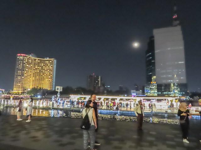 ICONSIAM 河濱公園水舞激光表演