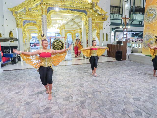 ICONSIAM 美食廣場 舞蹈表演