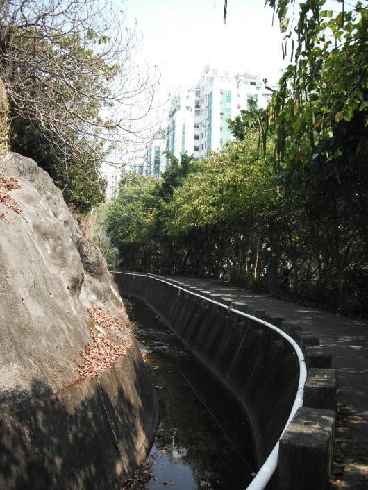 荃灣大帽山引水道